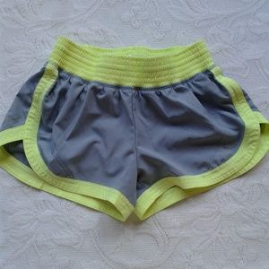 Champion C9 Shorts Running Gray Yellow Lined